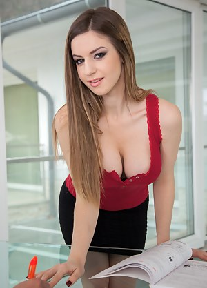 Free Office Girls Porn Pictures