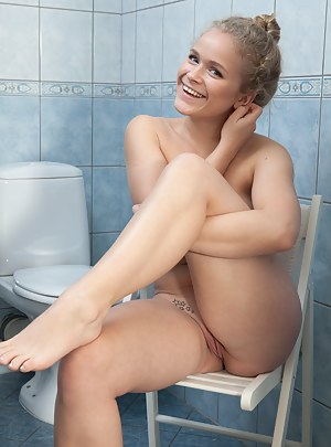 Free Girls Toilet Porn Pictures